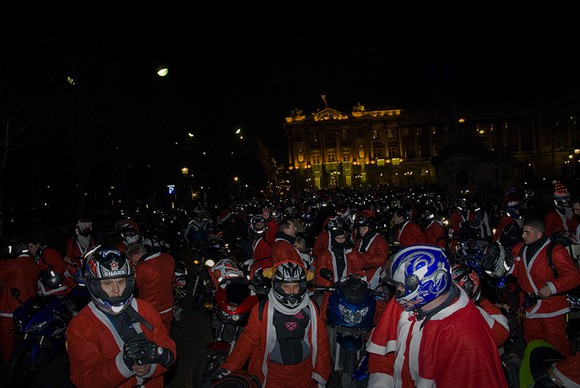 Photo du rassemblement des motards de noël place de la Concorde à Paris