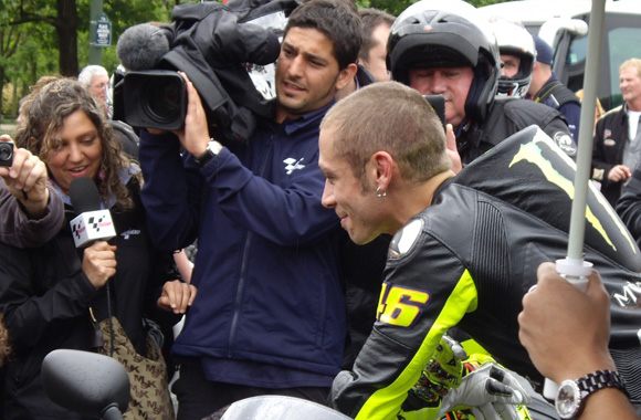 Valentino Rossi en séance photos à Paris