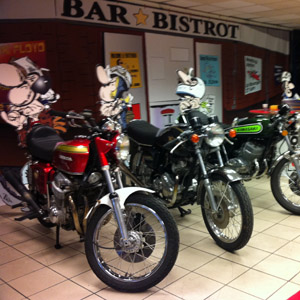 Les motos de la bande Joe Bar Team