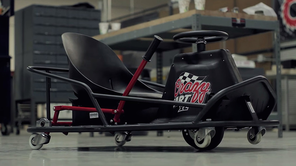 crazy cart razor xl le prototype pour adulte chez toys 39 r us. Black Bedroom Furniture Sets. Home Design Ideas