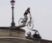 Davidatahit saute en velib dans la Seine