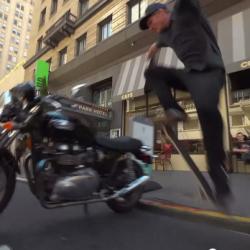 skate saute moto