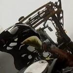 moto passe sous tracteur