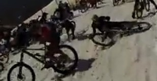 Mmegavalanche crash 2013