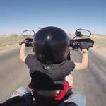 enfant conduit moto
