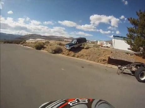 4x4 attaque motard