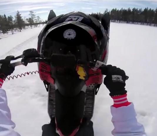 wheeling motoneige