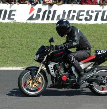 chassures moto piste