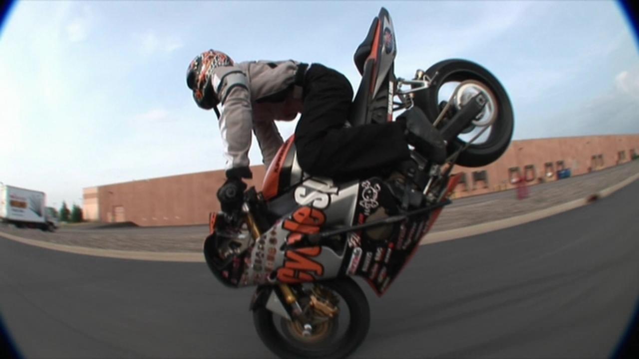 street bike mastery 3 teaser motard geek. Black Bedroom Furniture Sets. Home Design Ideas