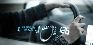 Tableau de bord de voiture connectée