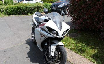 Yamaha R1 sale
