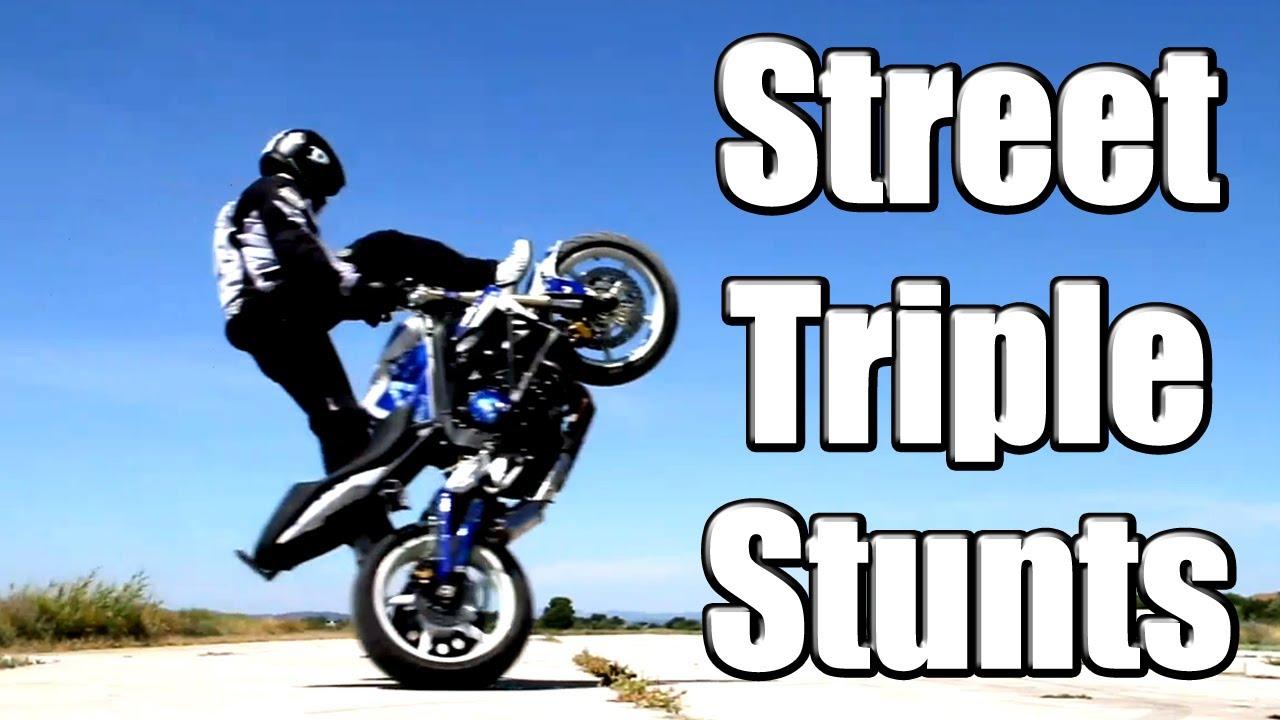 stunt en triumph street triple motard geek. Black Bedroom Furniture Sets. Home Design Ideas