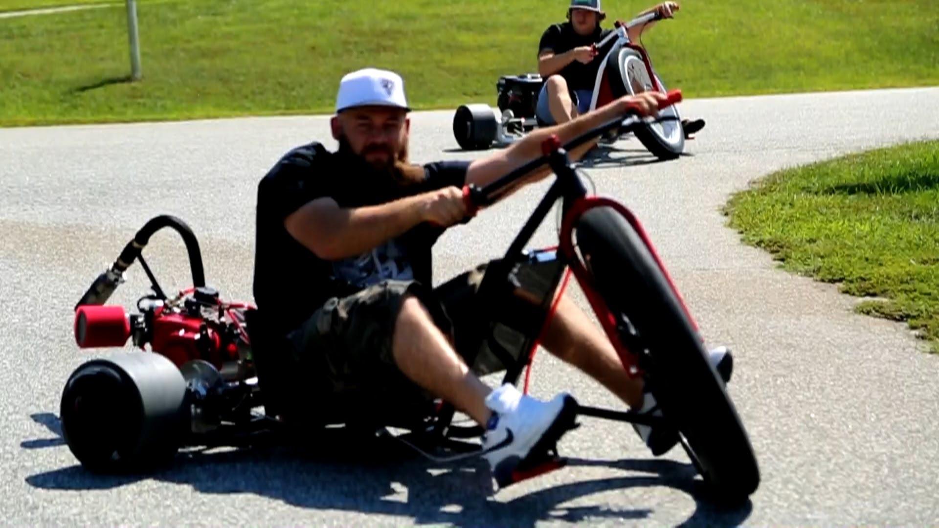 tricycle moteur motard geek. Black Bedroom Furniture Sets. Home Design Ideas